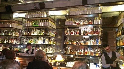 ze hebben een enorme whisky voorraad